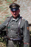 I membri del club rosso della storia della stella porta l'uniforme storica del tedesco durante la rievocazione storica di WWII Immagine Stock