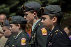 I membri di JROTC marciano nel quarto della parata di luglio Fotografia Stock