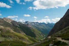 i 3798 metri del Grossglockner NELLE ALPI austriache un il bello giorno di cielo blu in primavera Fotografie Stock Libere da Diritti