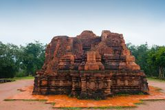 I miei mattoni rossi del tempio del figlio in tempo nuvoloso Vietnam Fotografia Stock