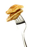 I mini pancake olandesi hanno chiamato i poffertjes Fotografie Stock Libere da Diritti
