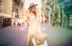 I mitt av gatan Royaltyfria Bilder