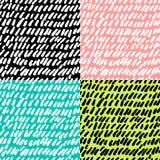 I modelli di ripetizione senza cuciture disegnati a mano con le forme astratte spazzolano i colpi Fotografie Stock