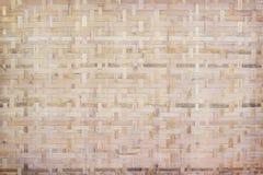 I modelli di tradizionale tailandese handcraft il tessuto di bambù, fondo di legno naturale di struttura fotografia stock
