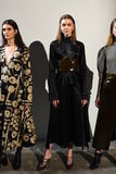 I modelli posano sulla pista alla presentazione di Beaufille Immagini Stock Libere da Diritti