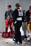 I modelli sulla pista a Sanchez-Kane mostrano Immagini Stock Libere da Diritti