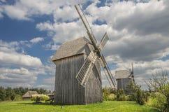I mulini a vento di legno Fotografie Stock Libere da Diritti