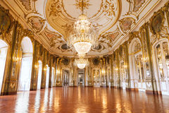 Balsalen av den Queluz medborgareslotten Arkivbilder