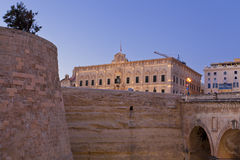 I mura di cinta medievali di La La Valletta, Malta Immagine Stock Libera da Diritti