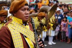 I musicisti di banda giocano il clarinetto durante la mostra annuale del brass band Immagini Stock