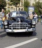 I naturlig storlek limousine ZIM för sovjetisk retro bil Royaltyfri Foto