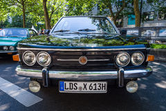 I naturlig storlek lyxig bil Tatra 613 Royaltyfri Foto
