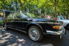 I naturlig storlek lyxig bil Tatra 613 Royaltyfri Bild