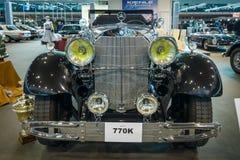 I naturlig storlek lyxig bilMercedes-Benz 770K Cabriolet D (W07), 1931 Royaltyfri Foto