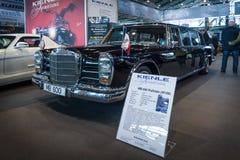 I naturlig storlek lyxig bilMercedes-Benz 600 Pullman (W100), 1971 Royaltyfri Foto