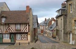 By i Normandie Frankrike Europa royaltyfri fotografi