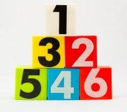 I numeri uno - sei sistemano in piramide Fotografia Stock Libera da Diritti