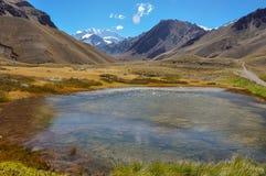 I paesaggi Cile medio del parco nazionale di Aconcagua e argento Immagini Stock