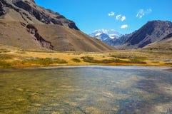 I paesaggi Cile medio del parco nazionale di Aconcagua e argento Fotografia Stock
