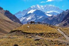I paesaggi Cile medio del parco nazionale di Aconcagua e argento Fotografie Stock