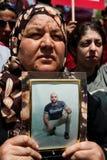 I Palestinesi marciano per richiedere la libertà per i prigionieri Immagini Stock