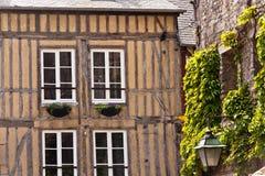 I particolari della metà tipica hanno rafforzato la casa con legname in Normandia Fotografia Stock Libera da Diritti