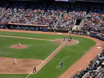 I passi avanti di Tim Lincecum del lanciatore di Giants ai tiri lanciano per riempire Immagini Stock Libere da Diritti