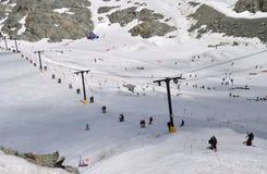 I pendii dello sci sono anno occupato rotondo alla montagna di Whistler Immagine Stock