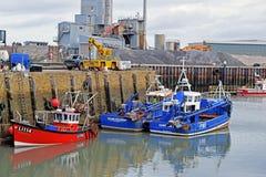 I pescherecci hanno attraccato in un porto nella Risonanza sudorientale fotografia stock