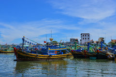 I pescherecci su Nha Trang abbaiano nel Vietnam Fotografia Stock Libera da Diritti