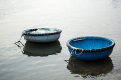 I pescherecci in Vinh Hy abbaiano, il Vietnam Fotografia Stock