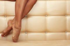 i piedini isolati bella femmina 3d rendono il bianco shapely Fotografia Stock