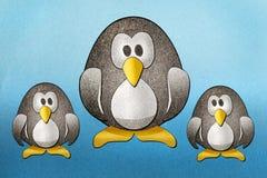 I pinguini hanno riciclato il mestiere di carta Immagini Stock Libere da Diritti