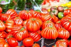 I pomodori freschi in un mercato si bloccano a Londra fotografie stock