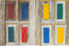 I precedenti di legno variopinti della finestra immagine stock libera da diritti