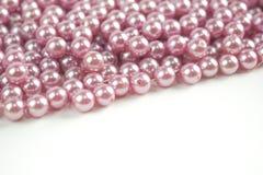 I precedenti rosa della perla con spazio bianco immagine stock