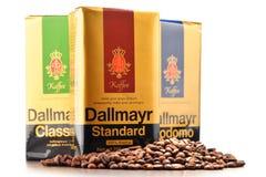 I prodotti del caffè di Alois Dallmayr hanno isolato su bianco Fotografia Stock Libera da Diritti