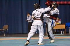 I ragazzi fanno concorrenza nel Kobudo Fotografia Stock Libera da Diritti