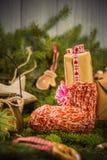 I rami cuciti a mano delle decorazioni dei calzini dei regali di Natale si attillano Immagine Stock Libera da Diritti