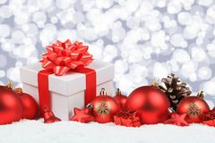 I regali di Natale presenta a stelle della neve della decorazione delle palle il copyspace Fotografia Stock