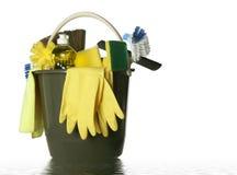 I rifornimenti di pulizia isolati hanno bagnato la benna Fotografia Stock