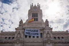 """""""I rifugiati accolgono favorevolmente"""" il cartello Immagine Stock"""