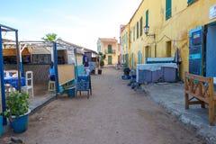 I ristoranti aprono nella fase iniziale l'isola di Gorée Immagini Stock