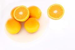 I sammanhanget av apelsinen Arkivbild