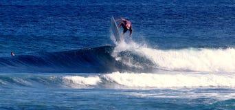 I Samoa praticanti il surfing Immagini Stock