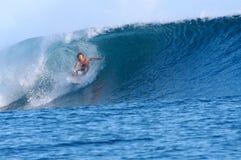 I Samoa praticanti il surfing Fotografia Stock Libera da Diritti