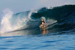 I Samoa praticanti il surfing Immagine Stock
