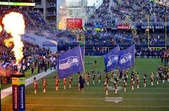 I Seattle Seahawks prendono il campo Fotografia Stock Libera da Diritti