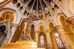 I sida av den Notre-Dame domkyrkan - Lausanne, Schweiz Royaltyfri Bild