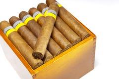 I sigari cubani, fatti a mano fotografie stock